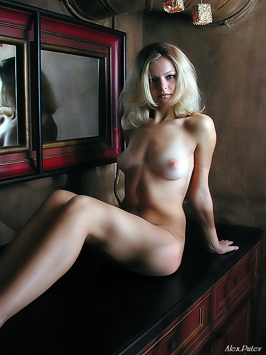 golie-frantsuzskie-prostitutki-devushki-foto